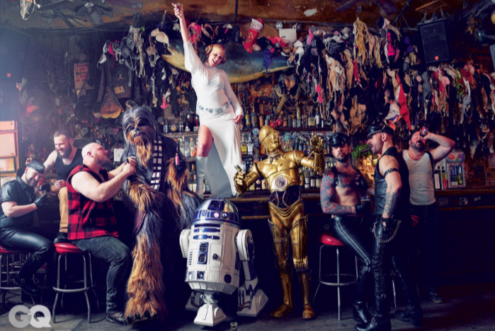 amy-schumer-parties-hard-star-wars-style-in-gq-photoshoot2