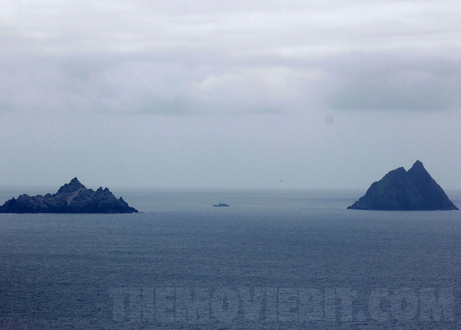 star-wars-kerry-navy-exclusion-zone-skellig-michael[3]