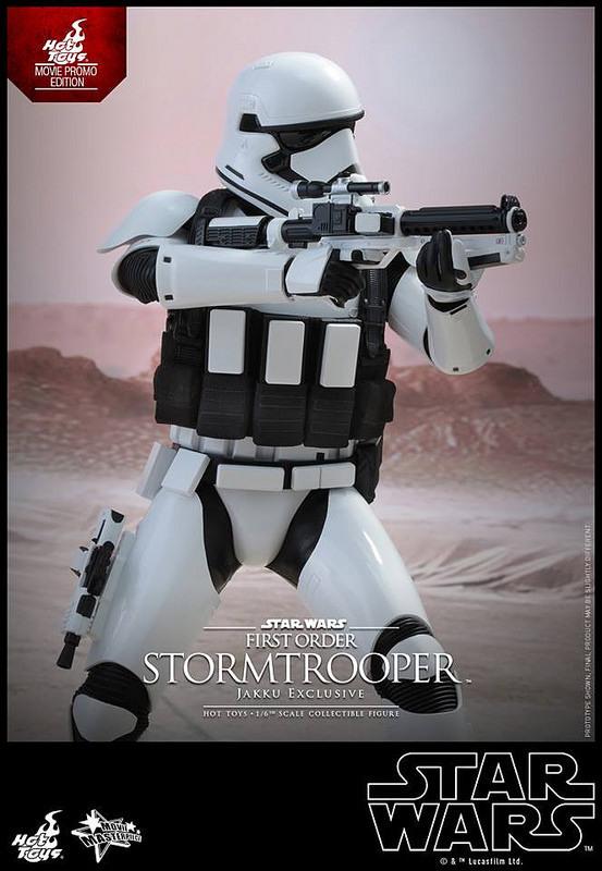 201512_First Order Stormtrooper (Jakku Ex (3)