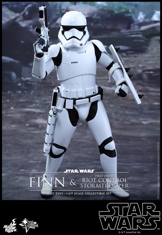 Hot Toys - SWTFA - Finn & First Order Riot Control Stormtrooper Collectible Set_PR10_resize