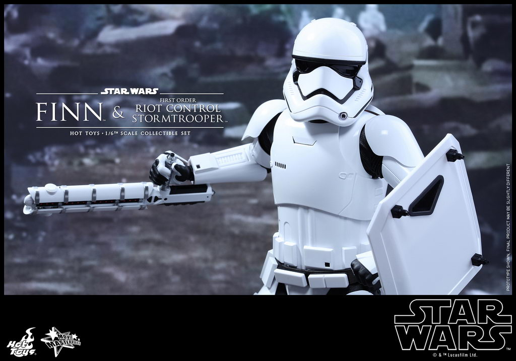 Hot Toys - SWTFA - Finn & First Order Riot Control Stormtrooper Collectible Set_PR12_resize