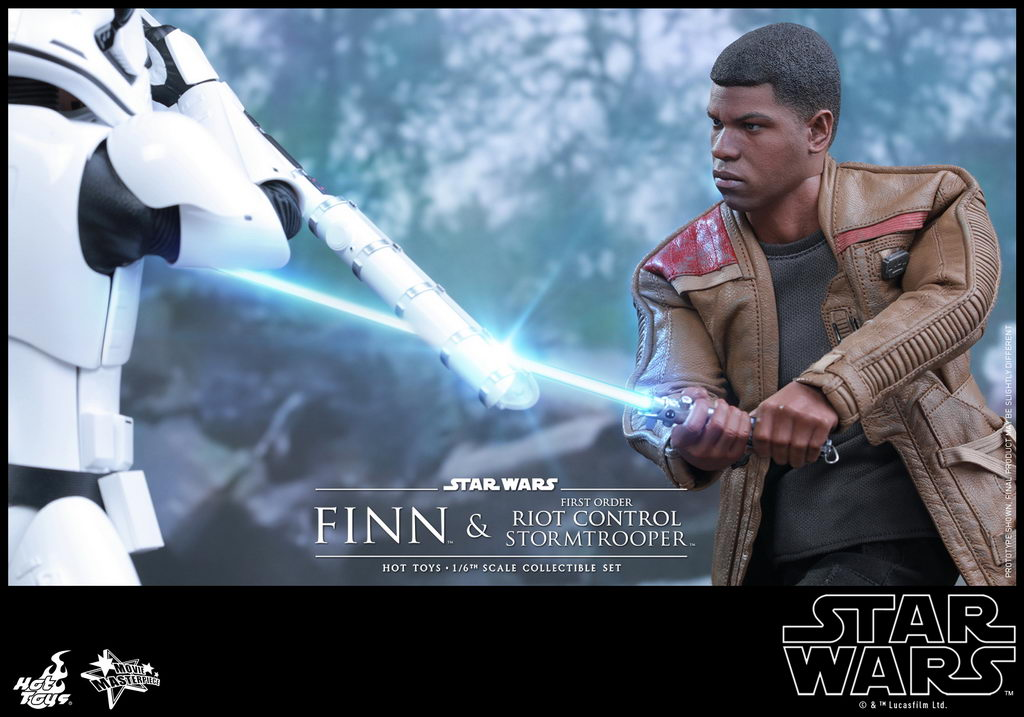 Hot Toys - SWTFA - Finn & First Order Riot Control Stormtrooper Collectible Set_PR3_resize