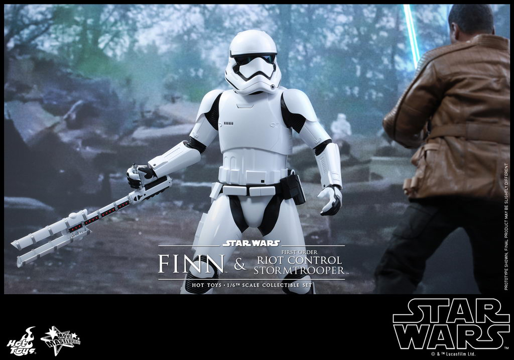 Hot Toys - SWTFA - Finn & First Order Riot Control Stormtrooper Collectible Set_PR5_resize