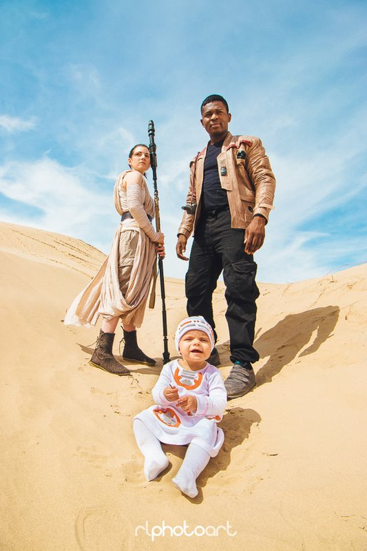 the-force-is-strong-with-this-star-wars-family-cosplay2