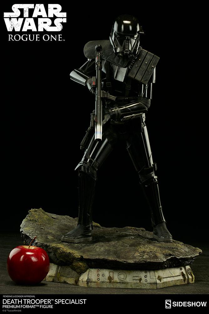 201609_star-wars-rogue1-death-trooper-specialist-premium-format-300530-05