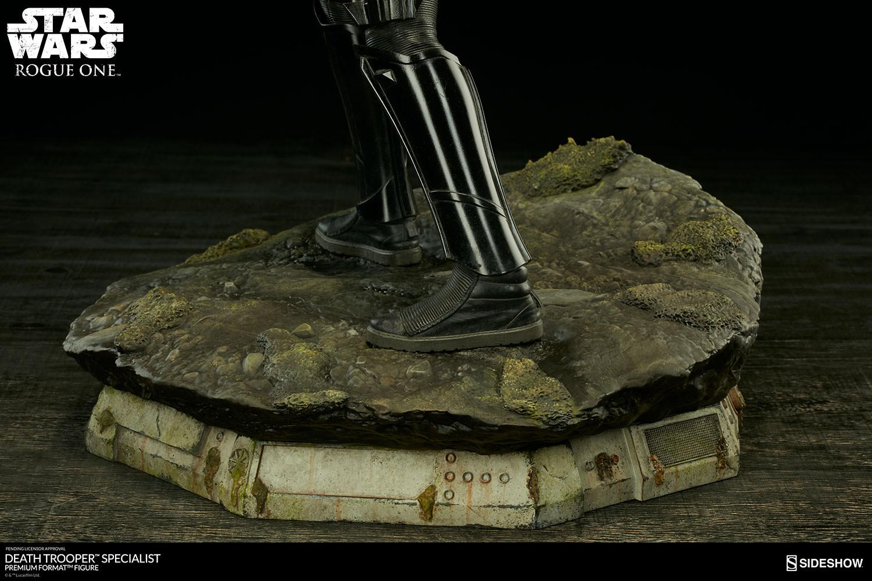 201609_star-wars-rogue1-death-trooper-specialist-premium-format-300530-14