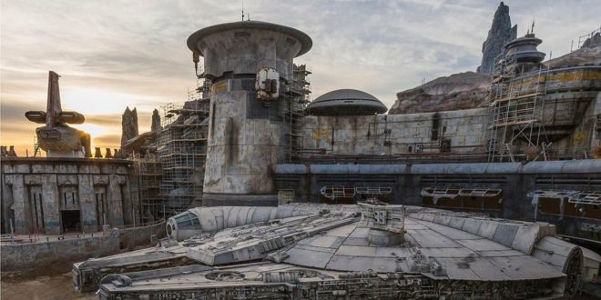 (中文(繁體)) 星戰主題樂園 Star Wars: Galaxy's Edge 釋出全新花絮介紹影片